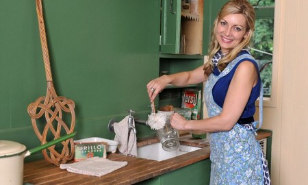 Writer Alice Smellie who burned of 1200 calories a day being a 1950's housewife. 27/6/12   pic lynn hilton