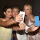 Models pose backstage & take selfies at the 100 Colours Fashion Show at City Hall, Dublin, Ireland - 20.08.15. Pictures: Cathal Burke / VIPIRELAND.COM *** Local Caption *** Alison Canavan, Vivienne Connolly, Sarah McGovern (Selfie)