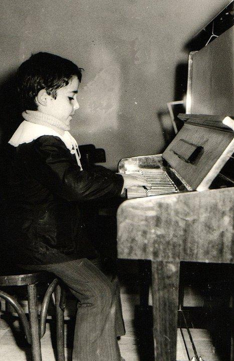 """Desar Sulejmani, foto nga fëmijëria si nxënës në shkollën e muzikës """"Prenk Jakova, Shkodër"""