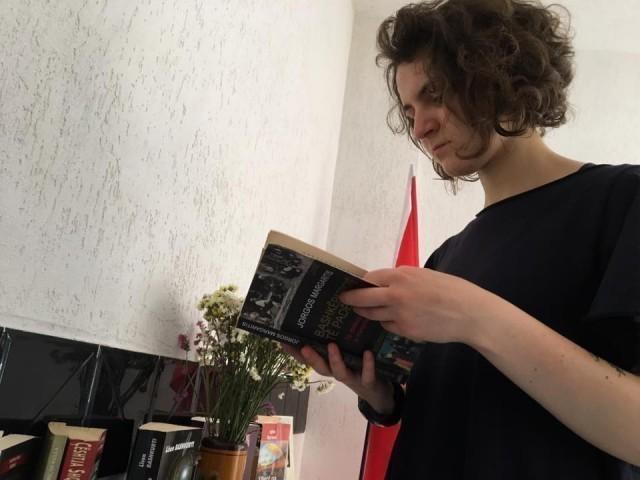 Rea Shundi, Vëzhguese dhe mendimtare kritike, analizuese, punuese në grup dhe e udhëhequr nga aftësive e veta; Certifikata: Diplomacia Globale – Universiteti i Londrës, Nëntor 2017