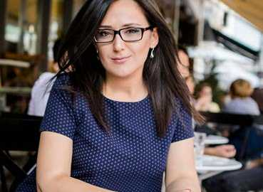 Dr. Rovena Vata, Pedagoge dhe Studiuese-Albanologe
