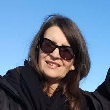 Simonetta Basso është bashkë-themeluese e shoqatës kulturore jofitimprurëse SexPass, e cila merret me edukimin emocional dhe seksual për nxënësit e shkollave parauniversitare.