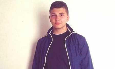 """Aleksandër Lamaj, student në vitin e parë në degën """"Shkenca Juridike në sektorin publik"""""""
