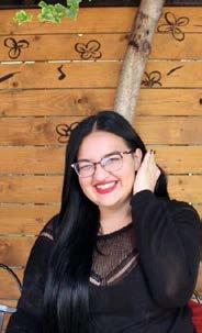 Klea Mustafa, Farmaciste