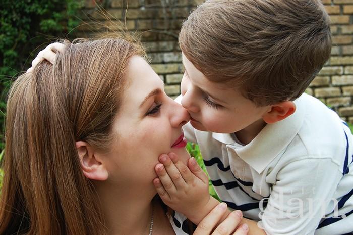 bacio-mamma-e-figlio