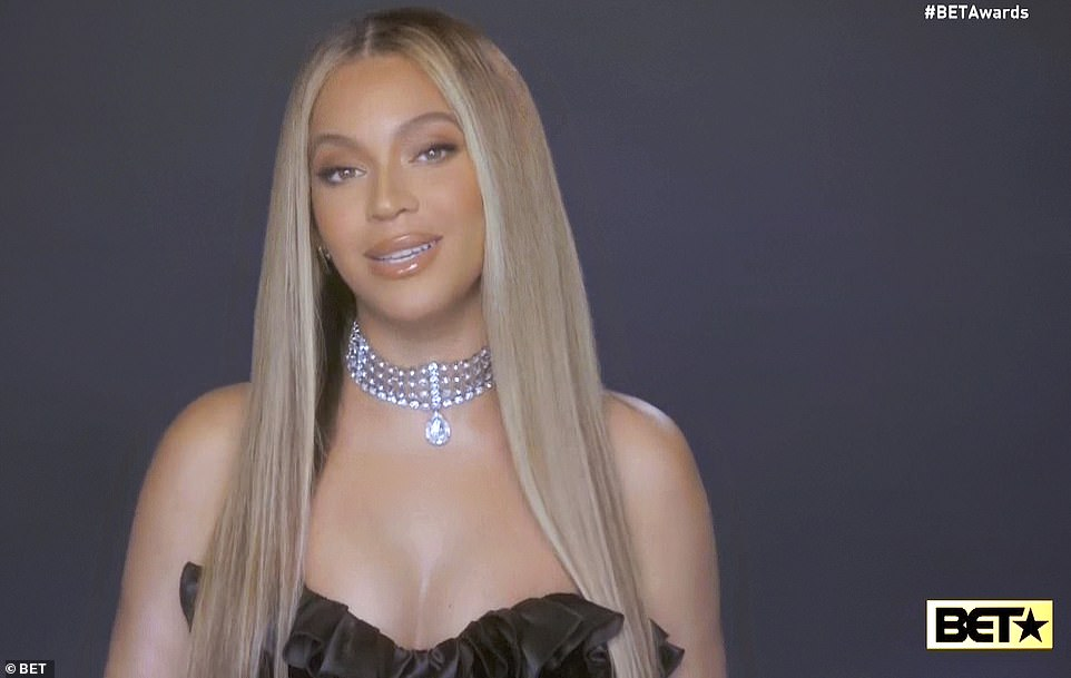 30172560-8469049-top_honor_beyonc_urged_viewers_to_dismantle_a_racist_and_unequal-m-29_1593414723635