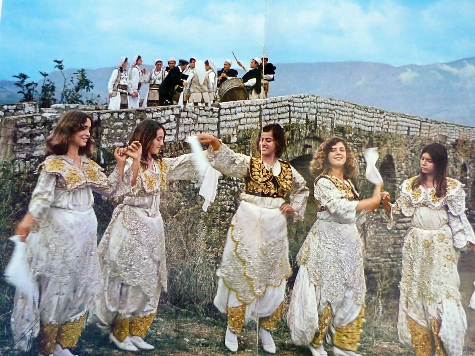 veshje-grash-me-dimi_shqiperi-e-mesme