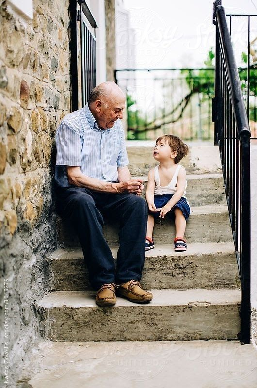 emotion-filled-pose-ideas-for-kids-with-grandparents-_