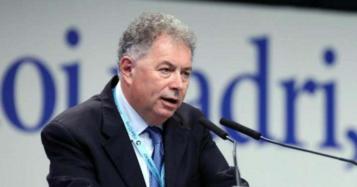 *Giorgio Vittadini, themelues dhe president i Fondacionit Subsidiarity, një mjet i thelluar dhe zhvillimi kulturor që kryen trajnime, kërkime, botime dhe veprimtari të shpërndarjes (përfshirë www.ilsussidiario.net)