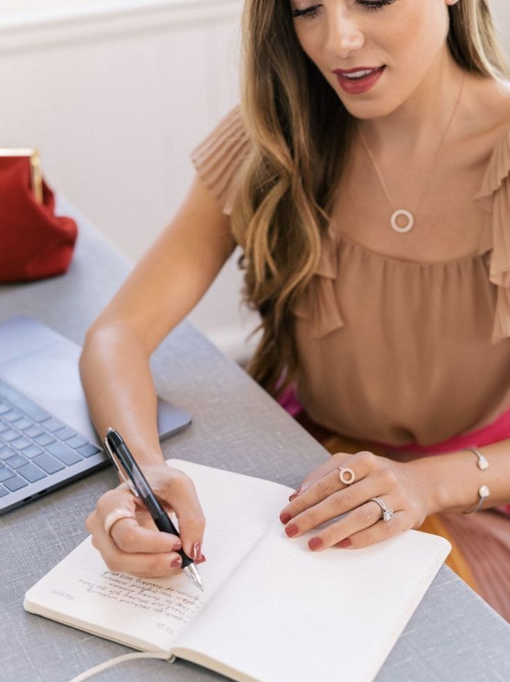 five-things-you-need-to-do-to-manage-your-career-before-going-on-maternity-leave-shauna-cole